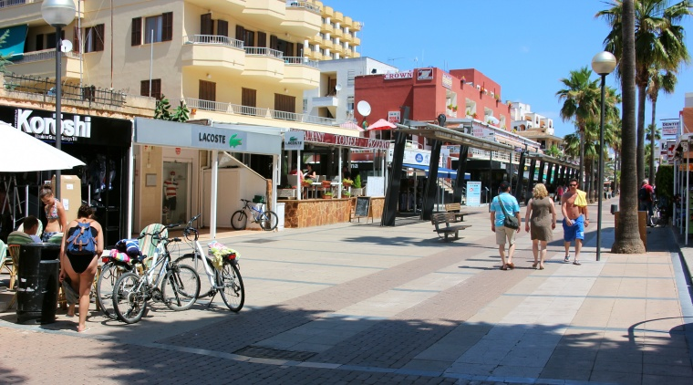 Main shopping street in Cala Millor